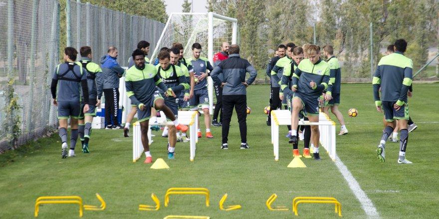 Konyaspor'da, Bursaspor maçı hazırlıkları sürüyor