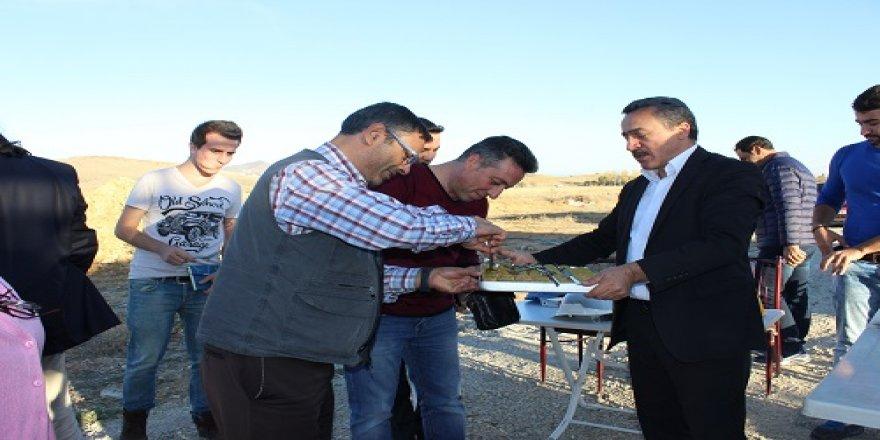 Başkan Tutal gazetecileri elleriyle besledi