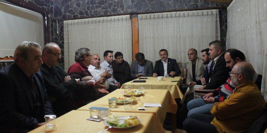 Başkan Tutal Gazeteciler İle Kuğulu Parkta Buluştu
