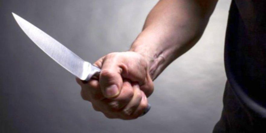 Beyşehir'de Yolda Yürürken Bıçaklandı