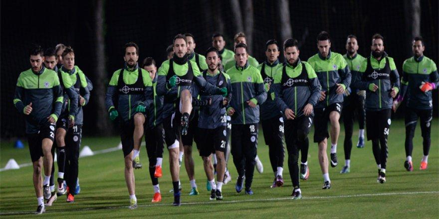 Konyaspor'un Antalya kampı başladı