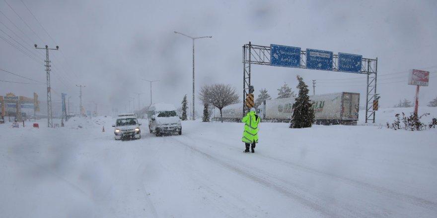 Konya-Isparta yolu kapandı