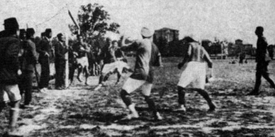 Fenerbahçe-Galatasaray arasında ilk maç 17 Ocak 1909'da yapıldı