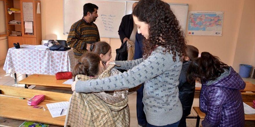 Görevlendirme Yapılan Belediyelerden Öğrencilere Yardım