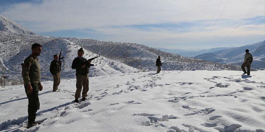 Ağır Kış Şartlarında Mehmetçik İle Omuz Omuza Vatan Savunması