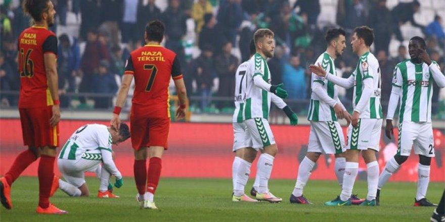 Atiker Konyaspor üst tura çıktı!