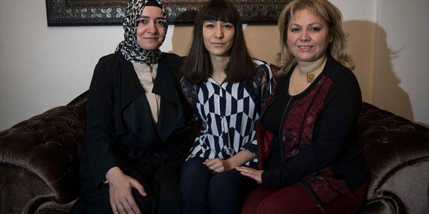 Bakan Kaya'dan 'Koruyucu Aile Olun' Çağrısı