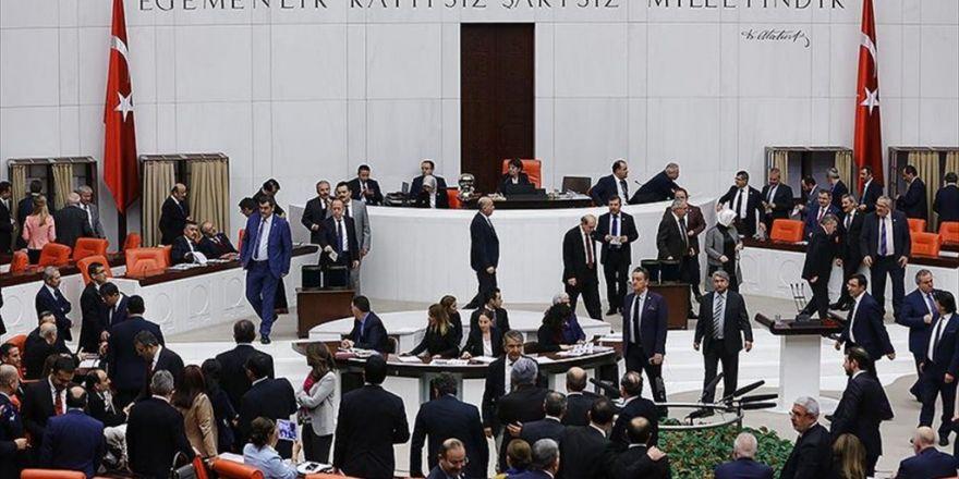 Anayasa Değişikliği Teklifinin 2. Turunda İlk Gün 7 Madde Kabul Edildi