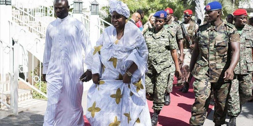 Gambiya Devlet Başkan Yardımcısı İstifa Etti