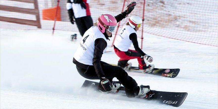 Erzurum'da Uluslararası Snowboard Büyük Slalom Yarışları Başladı