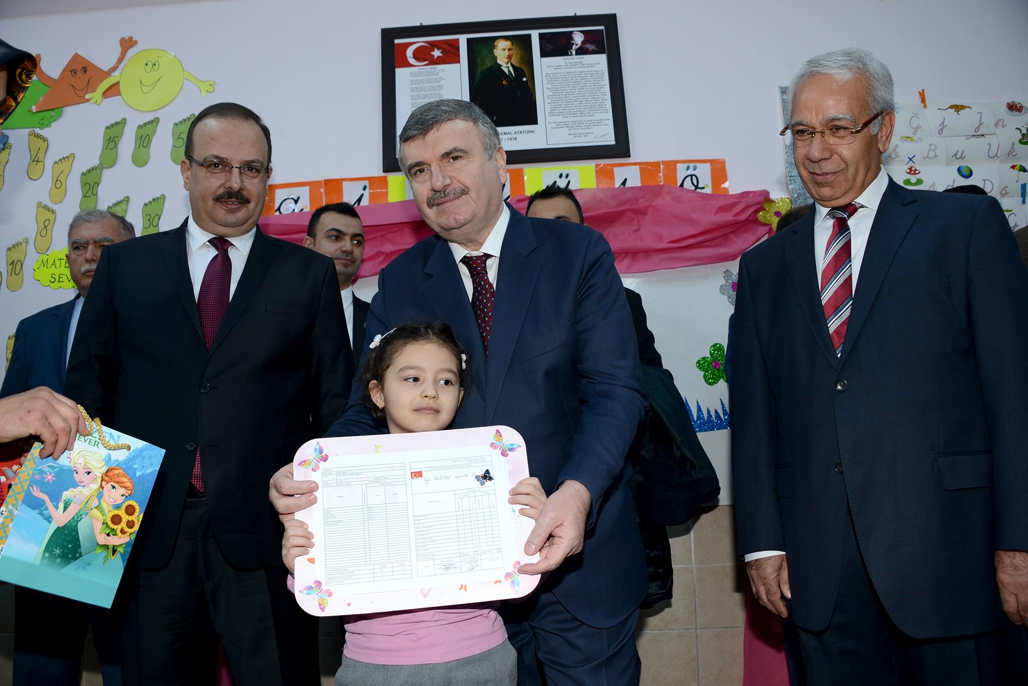 Konya'da 440 bin 930 öğrenci karne aldı