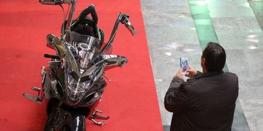 Avukatın Tasarladığı 'Çift Direksiyonlu Motosiklet' İlgi Görüyor