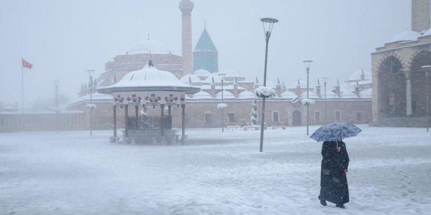 Konya'ya kar geliyor!