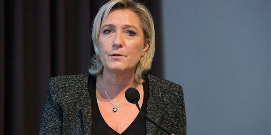 Le Pen: Ab Öldü Ama Henüz Kendisi Bilmiyor