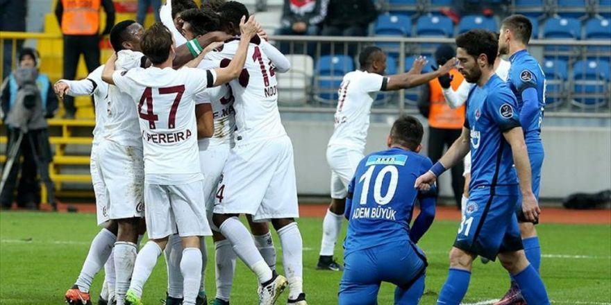 Trabzonspor İstanbul Deplasmanından 3 Puan Çıkardı