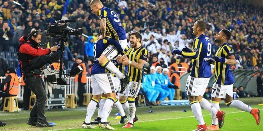 Fenerbahçe Lider Medipol Başakşehir'i Devirdi