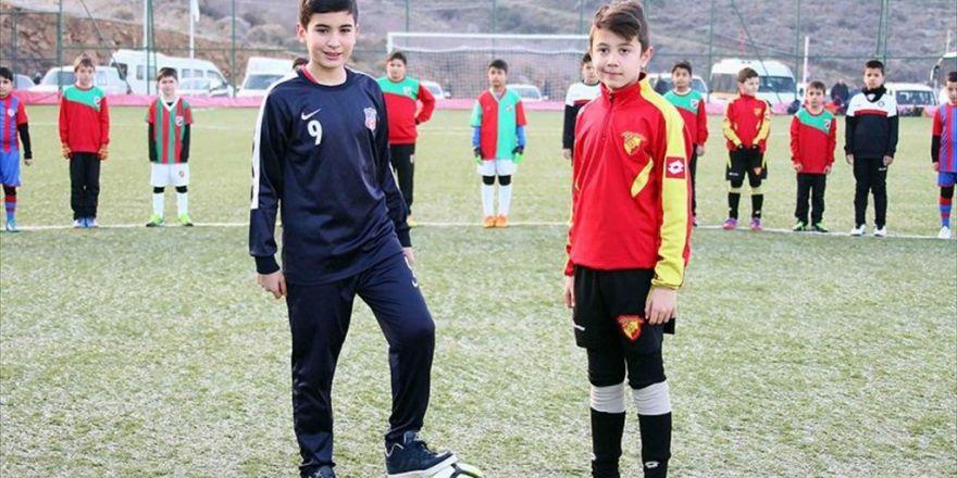 Minik Futbolcular Şehit Fethi Sekin İçin Sahada