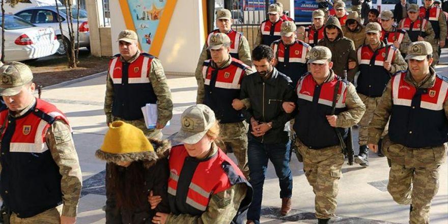 Canlı Bomba Saldırısı Hazırlığındaki 3 Terörist Yakalandı