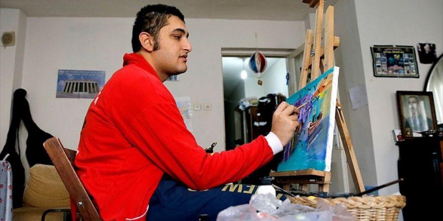 Otistik Ressam Sergi Gelirlerini Öğrencilere Harcıyor