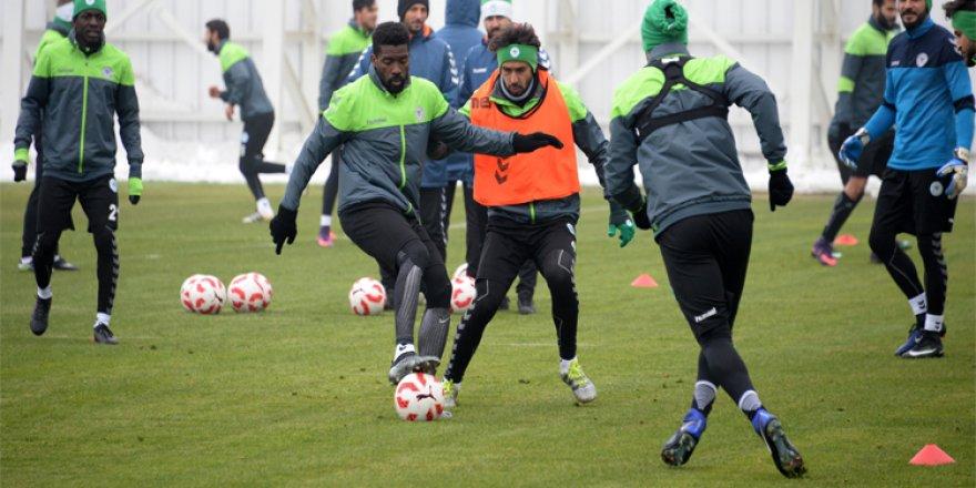Atiker Konyaspor günü tek antrenmanla tamamladı