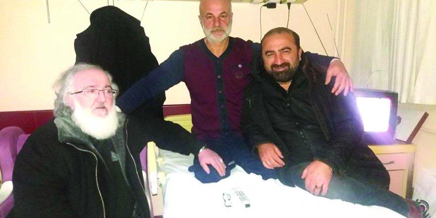 Mustafa Atay,  hasta ziyaretinde