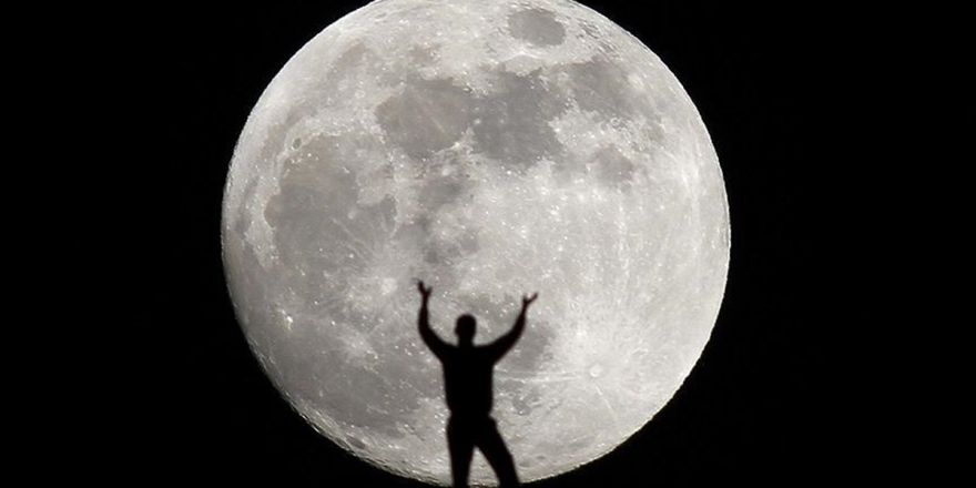 Spacex'ten Ay'ın Çevresinde Uçuş İmkanı