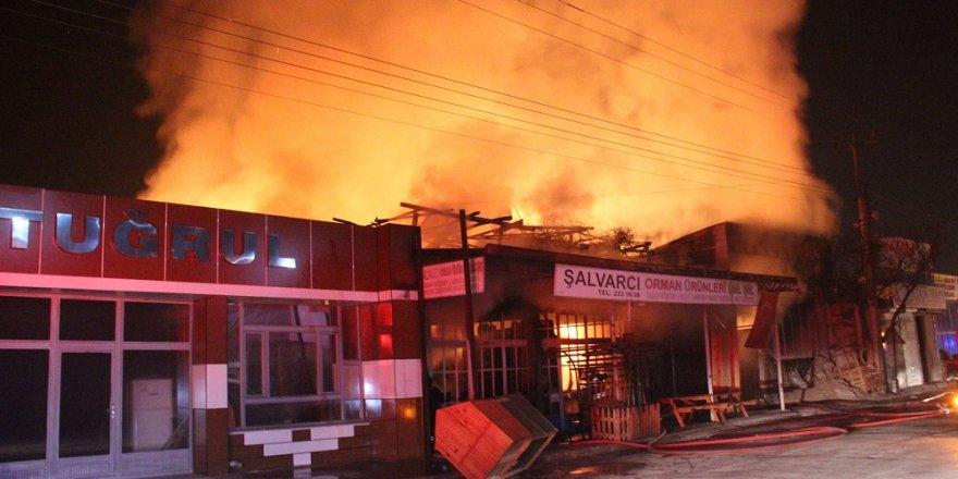 Konya'da Marangoz Atölyesinde Yangın