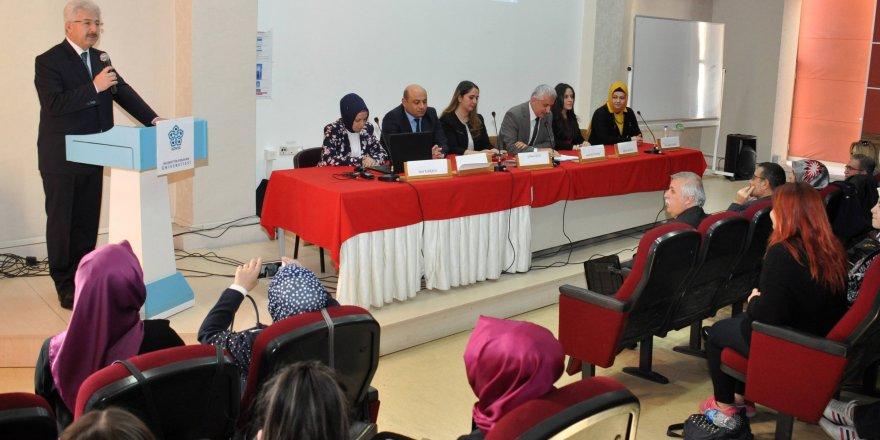 """NEÜ'de """"Okul Öncesinin Geleceği"""" konulu panel düzenlendi"""