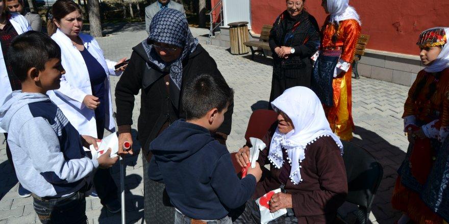 Kulu'da Dünya Yaşlılar Gününde yaşlılar ziyaret edildi