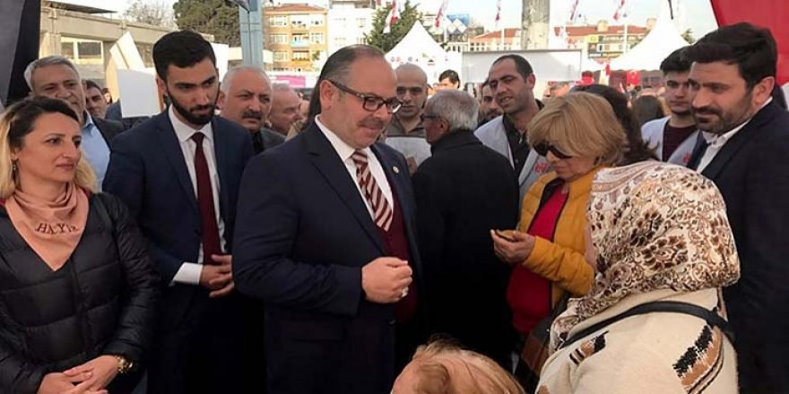 AK Parti milletvekili 'Hayır' standında