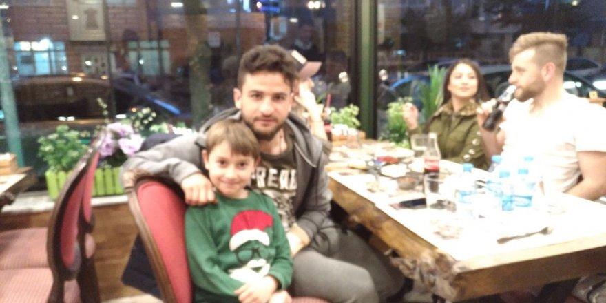 Efe Berberoğlu hayranı olduğu futbolcularla buluştu