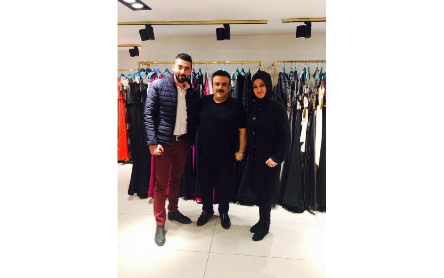 Tuğba Akdeniz ve Ali Yanmaz, sanatçı Bülent Serttaş ile