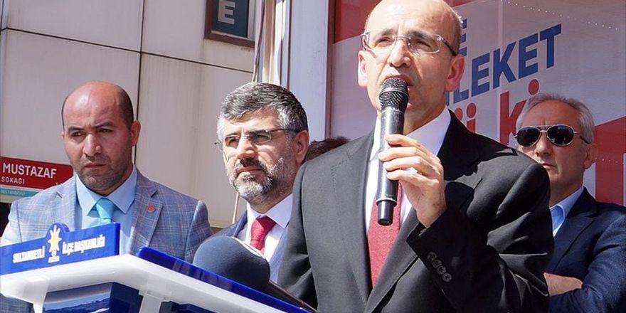 'Türkiye'nin Parlamenter Sistemi, Yönetimde İstikrarı Sağlayamıyor'