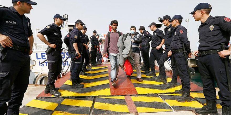 18 Sığınmacı Yunanistan'dan Türkiye'ye Geri Gönderildi