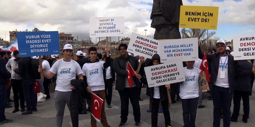"""TÜGVA'dan """"Türkiye İçin Evet"""" Yürüyüşü"""