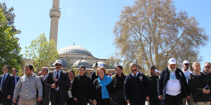 Sevgi ve Barış Yürüyüşü Karaman'dan başladı