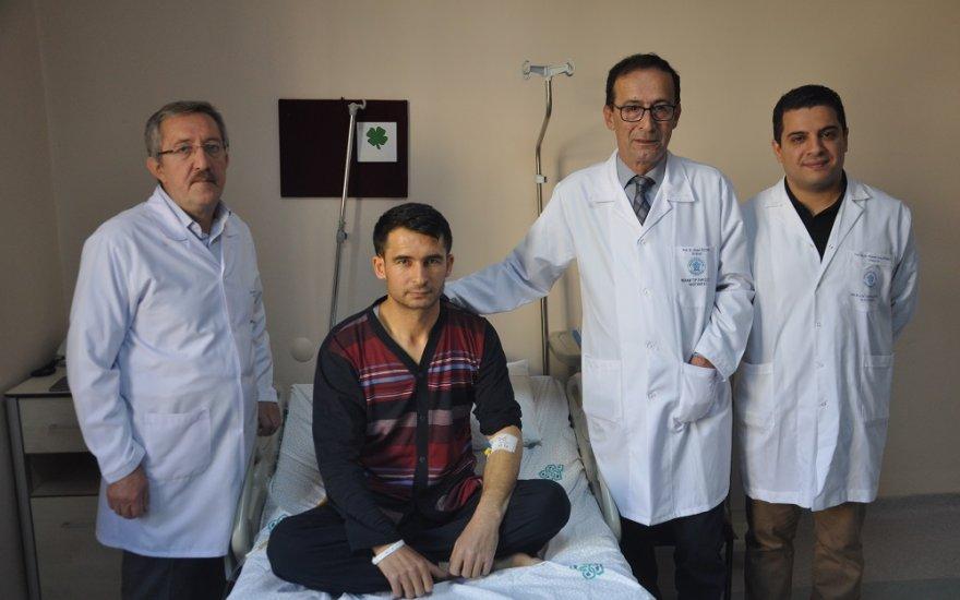 """Türk doktorlarından """"ultra mini"""" cihazlarla literatürlük müdahale"""