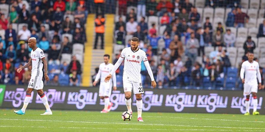 Beşiktaş, Üst Sıradaki Rakiplerine Karşı Zorlanıyor