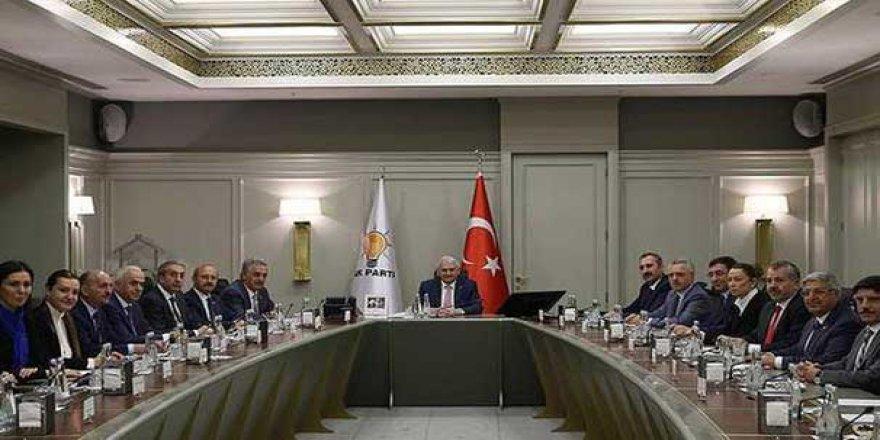 AK Parti MKYK olağanüstü kongreyi oyladı