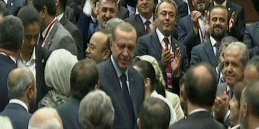 Cumhurbaşkanı Erdoğan 33 ay sonra AK Parti'de
