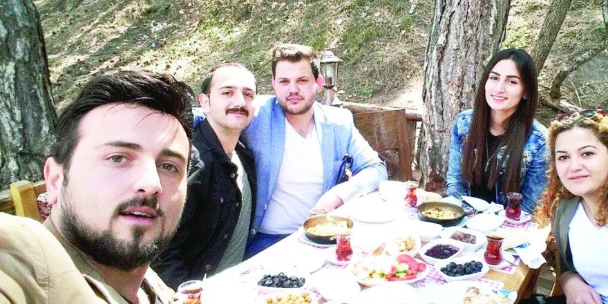 Kulekayalar, Ay ve Bölük ailesi Ankara'da