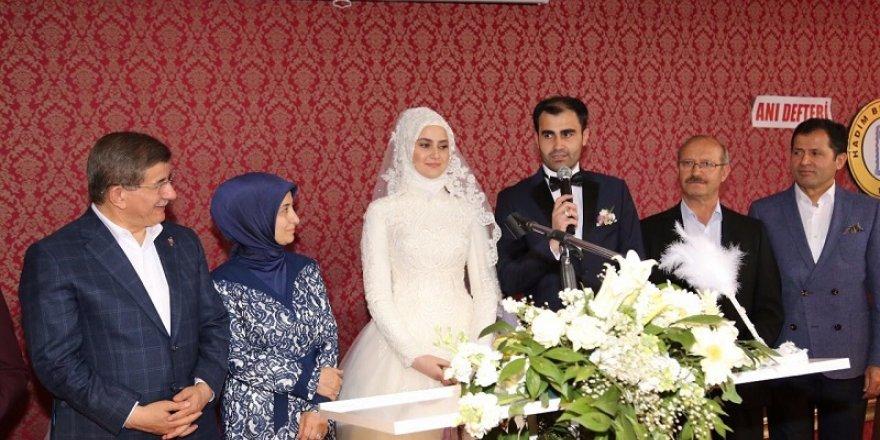Başkan Hadimioğlu kızını evlendirdi