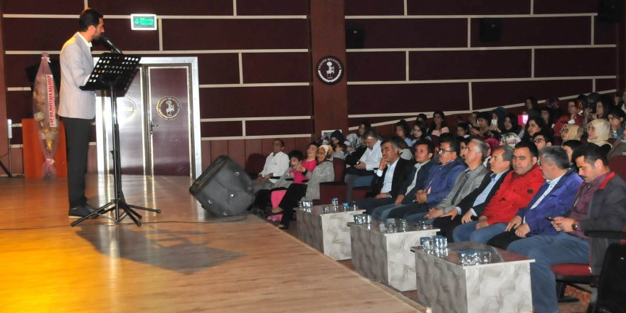 Akşehir'de şiir ve Türkü dinletisi düzenlendi