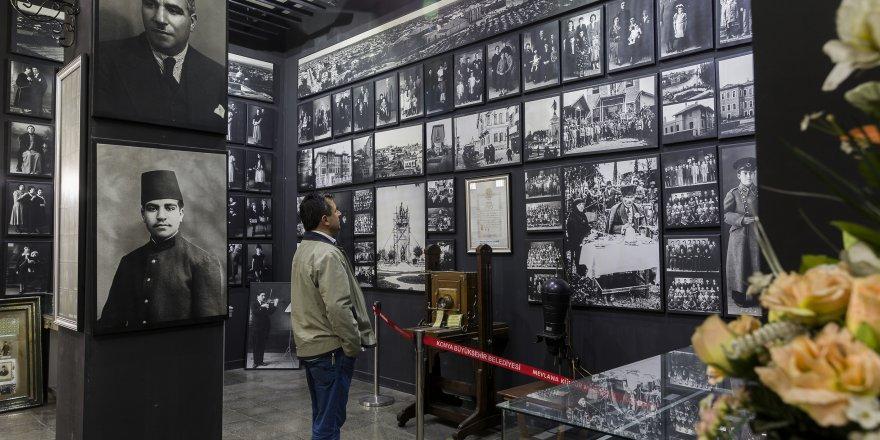 """Fotoğrafın Tarihine """"Siyah Beyaz"""" Yolculuk"""