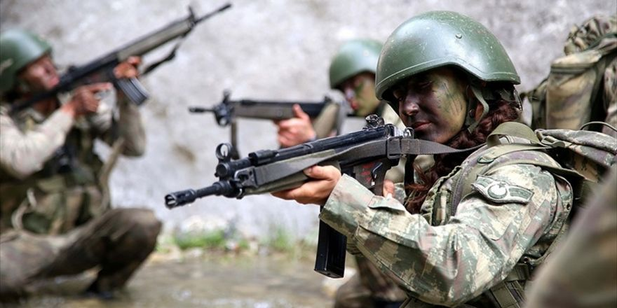 Arzu Astsubay 'Komando Brövesi' İçin Zorlu Eğitimde