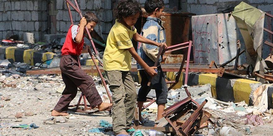Yemenli Çocuklar Taiz'deki 'Abluka Ve Açlığın' Pençesinde