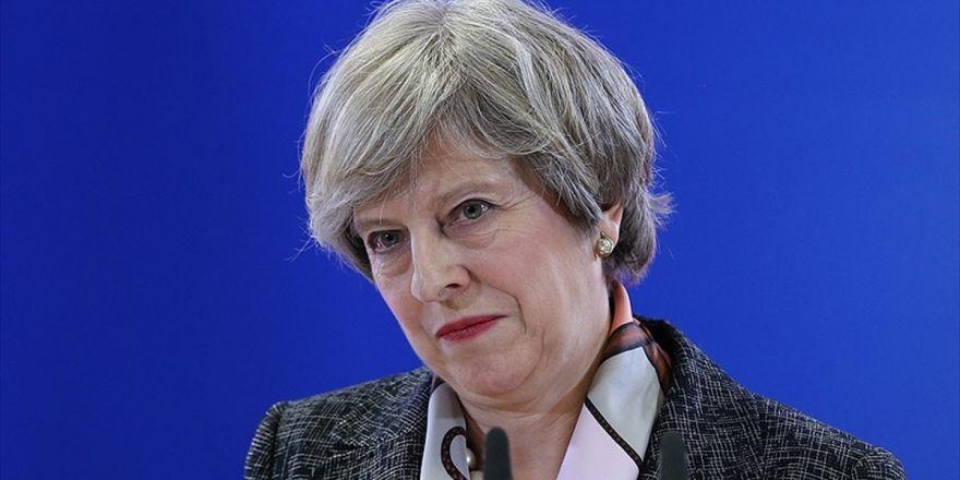 İngiltere Başbakanı May'den Ab'ye Seçimlere Müdahale Suçlaması