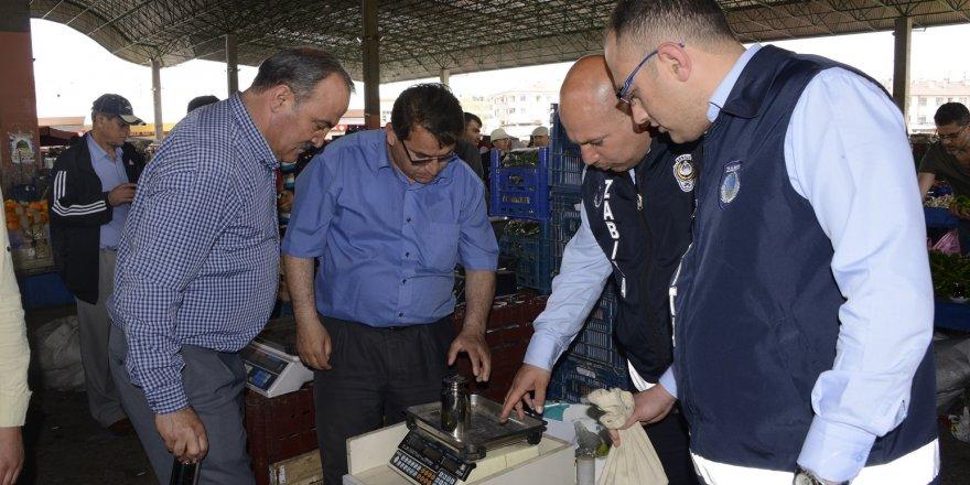 Meram'da esnafa yerinde hizmet
