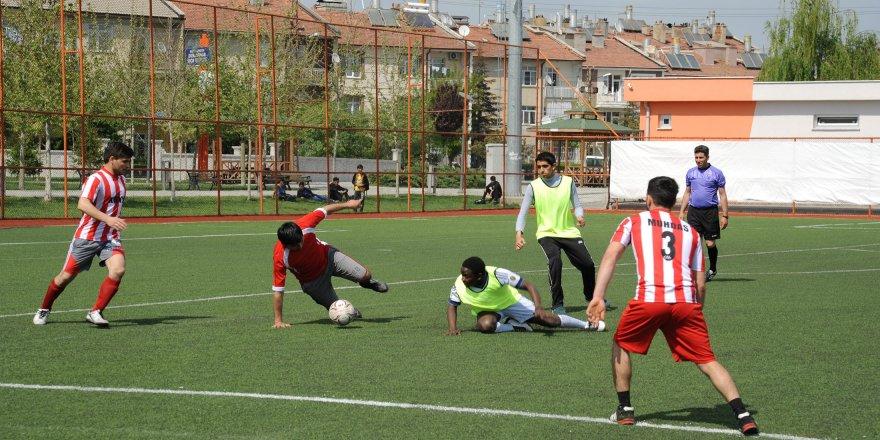 Konya'da Uluslarlarası Öğrenci Futbol Turnuvası başladı