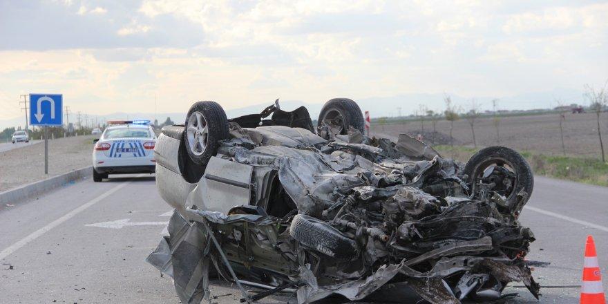 Konya'da Otomobil  Devrildi: 1 Ölü, 1 Ağır Yaralı